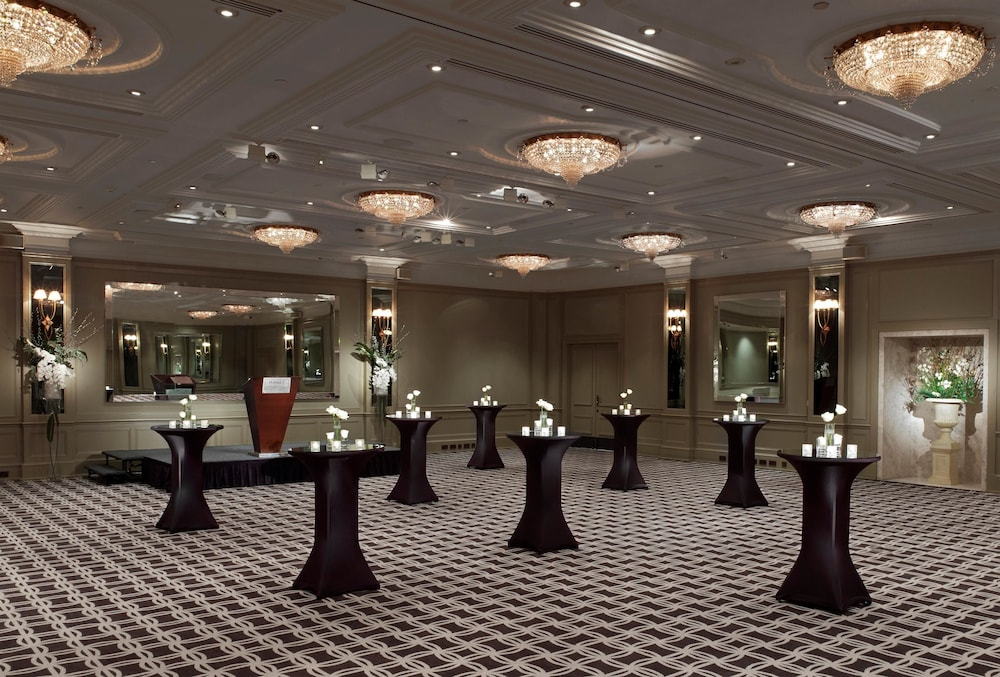 Ballroom/Hall 23 of 73