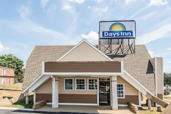 Days Inn by Wyndham Vernon in Vernon, Connecticut