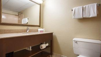 Best Western Holiday Lodge - Bathroom  - #0