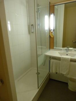 Hôtel ibis Cambrai - Bathroom  - #0