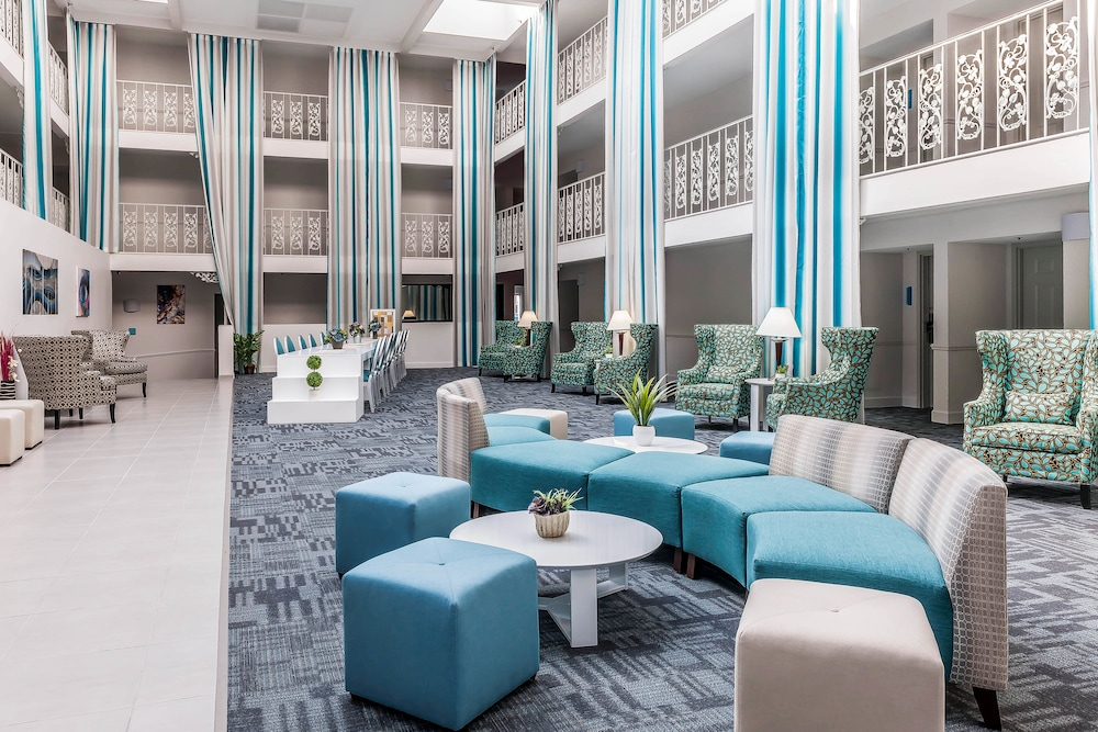 The Blu Hotel, an Ascend Hotel Collection Member