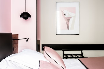 tarifs reservation hotels Hostellerie du Chapeau Rouge