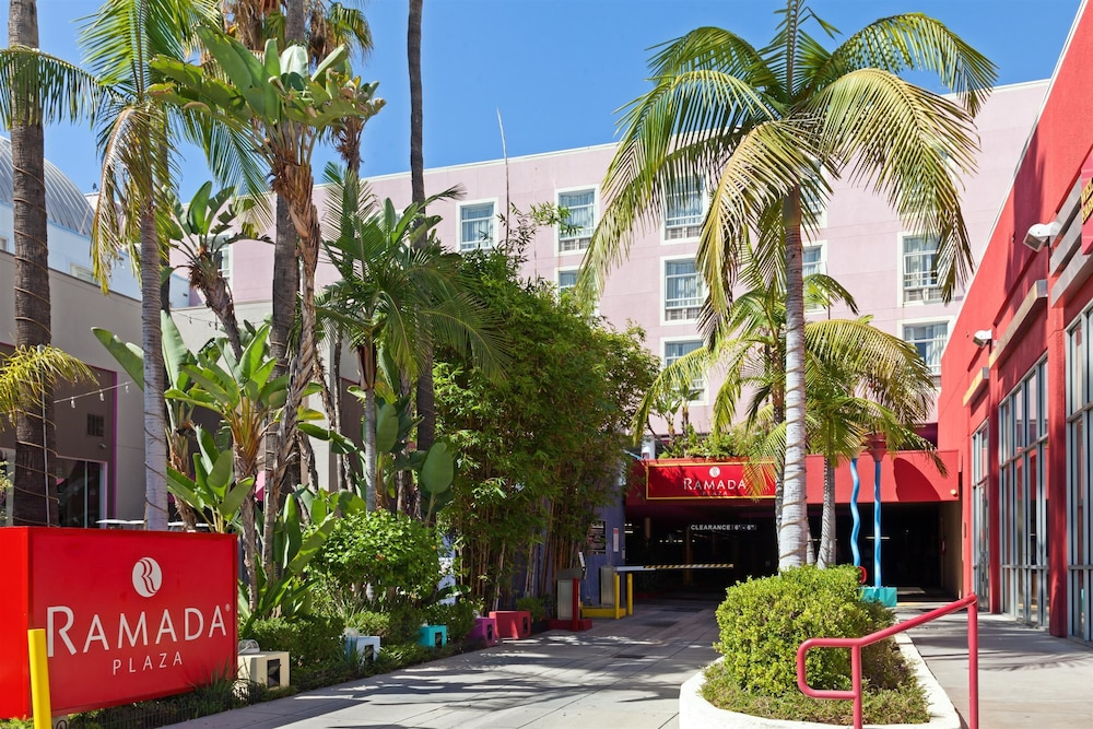 Ramada Plaza by Wyndham West Hollywood Hotel & Suites