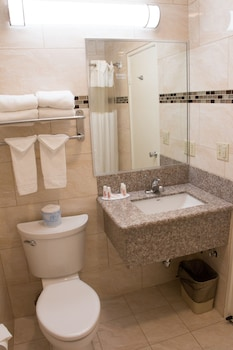 Days Inn Indio - Bathroom  - #0