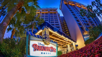 Disney's Paradise Pier Hotel-On Disneyland® Resort Property