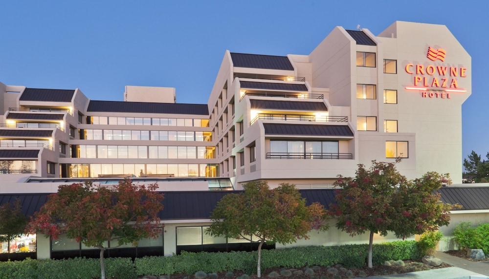 Crowne Plaza Hotel Foster City - San Mateo