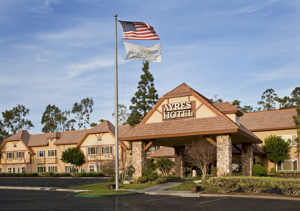 Ayres Hotel Corona East
