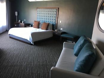 Munras Inn