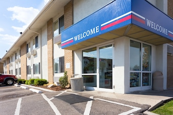 Motel 6 Boise - Airport - Hotel Entrance  - #0