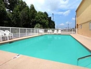 Days Inn Dillon - Pool  - #0