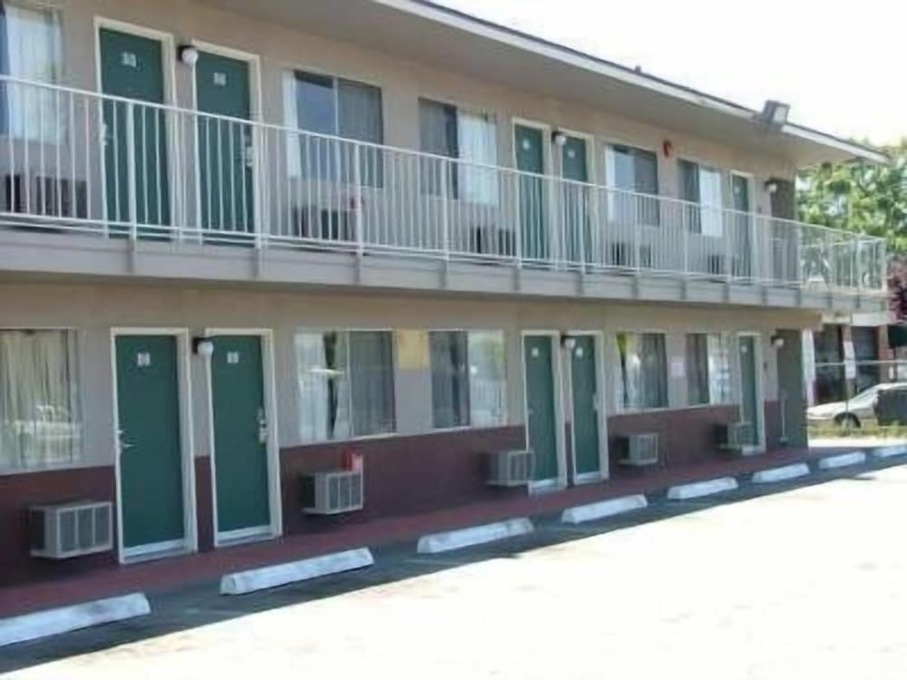 American Budget Inn and Suites- Modesto