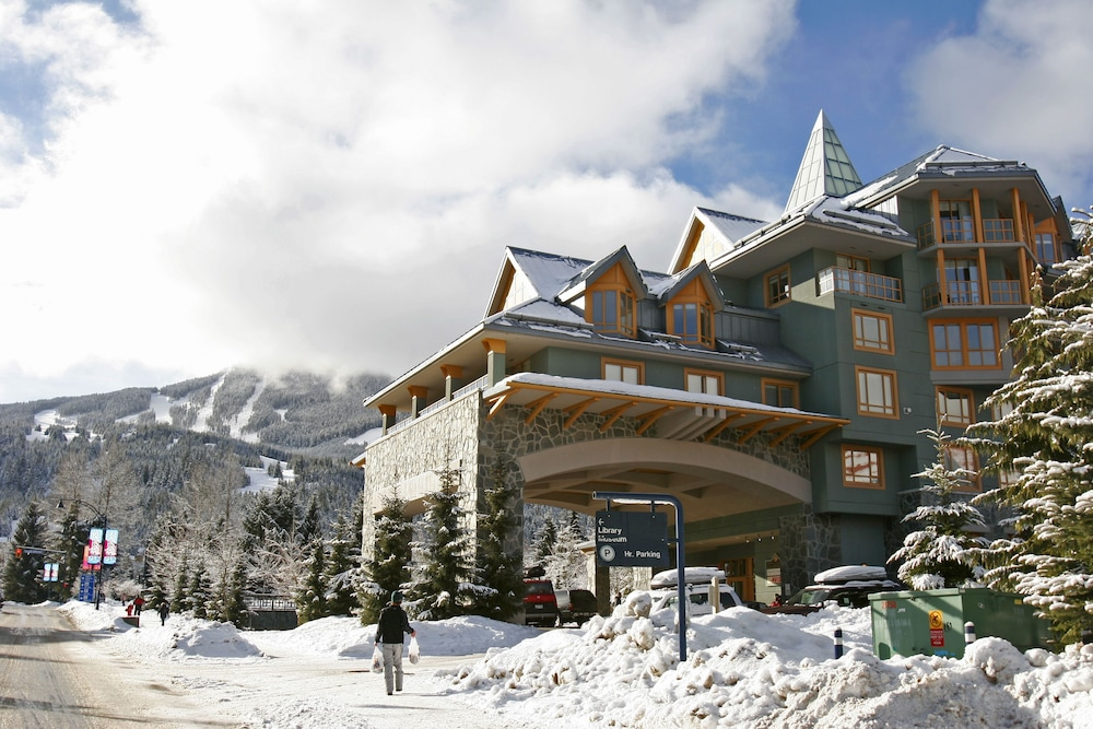 ResortQuest at Whistler Cascade Lodge