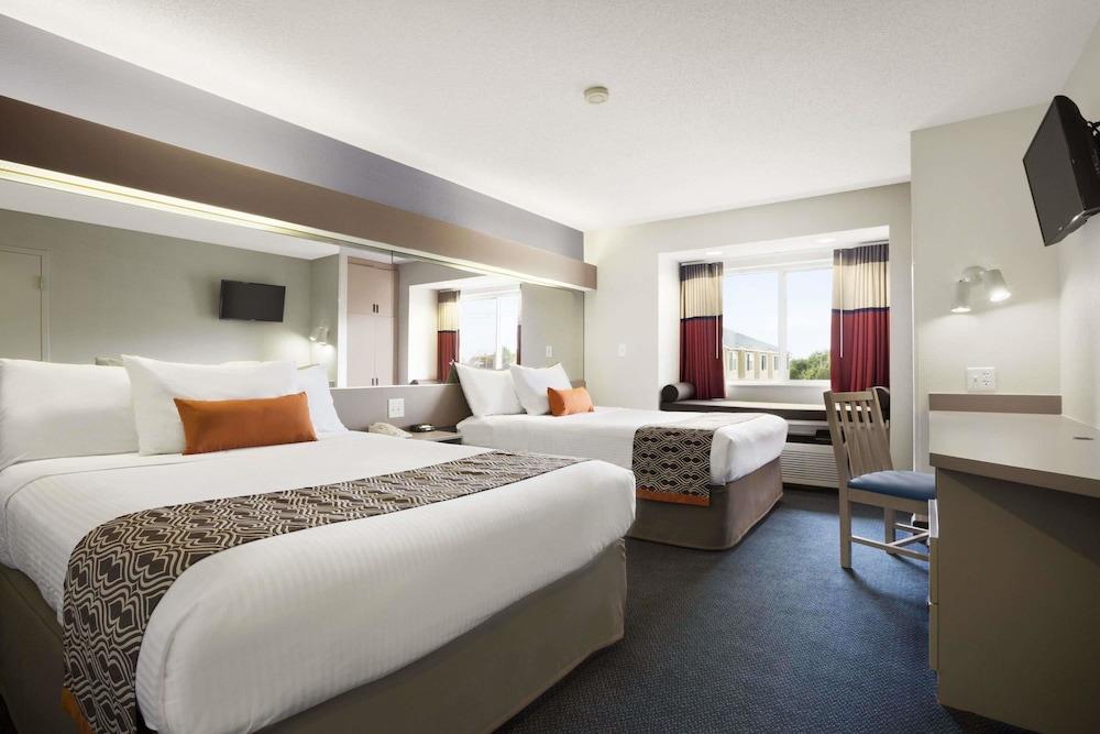 Microtel Inn by Wyndham Louisville East