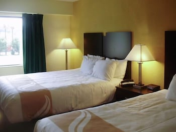 Quality Inn & Suites - Guestroom  - #0