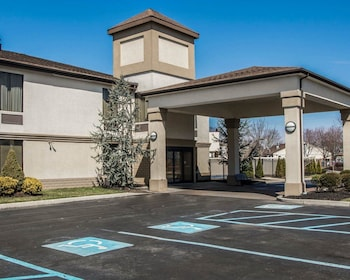 Quality Inn & Suites NJ State Capital Area in Morrisville