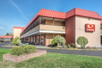 Photo for Econo Lodge West Haven in West Haven, Connecticut