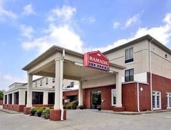 阿爾法利塔華美達高級飯店套房