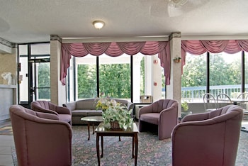 Americas Best Value Inn and Suites Clarksdale - Lobby  - #0