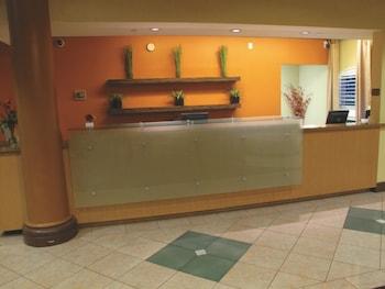 La Quinta Inn & Suites Memphis Primacy Parkway - Reception  - #0