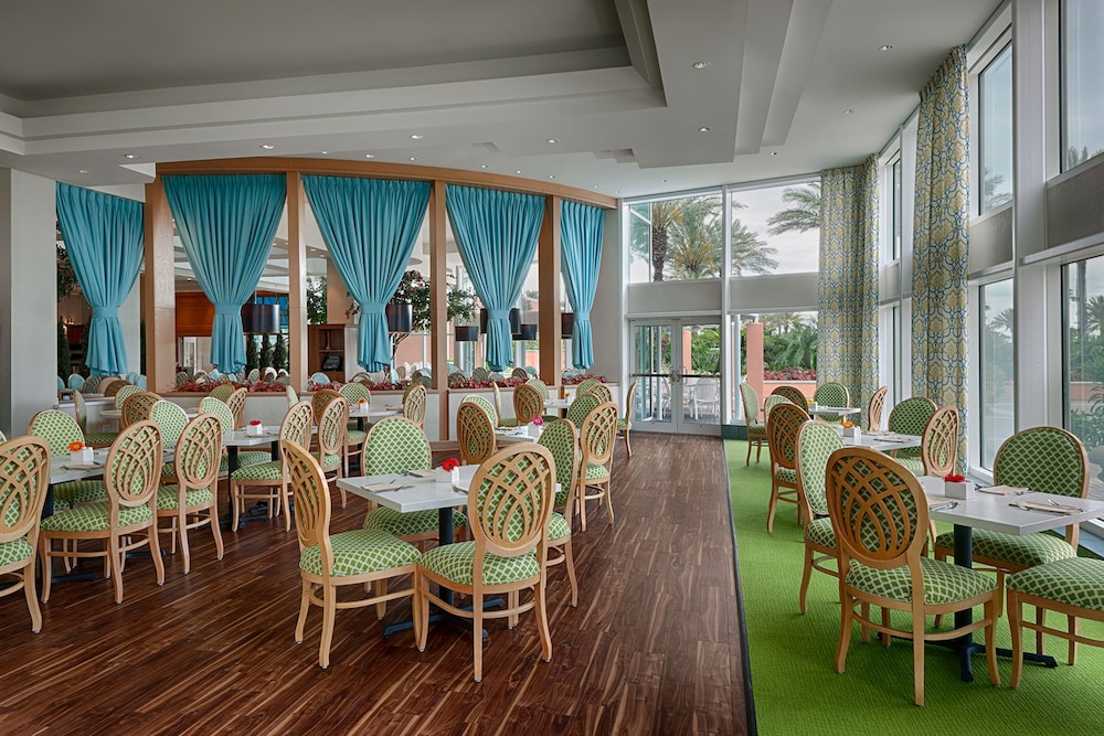 Moody Gardens Hotel Spa And Convention Center Galveston 6 0 5 Price Address Reviews