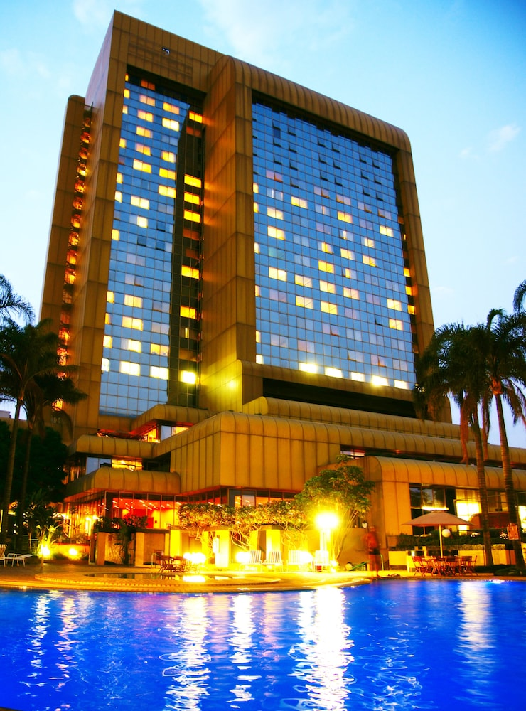 Rainbow Towers Hotel And Conference Centre