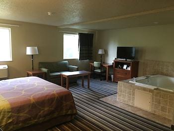 Super 8 - Richlands/Claypool Hill Area - Guestroom  - #0