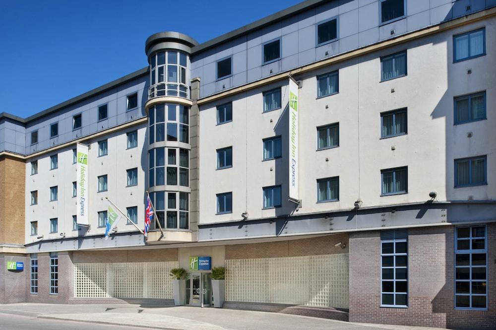 Holiday Inn Express London City London Price Address Reviews