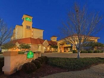 La Quinta Inn & Suites Oklahoma City NW Expwy