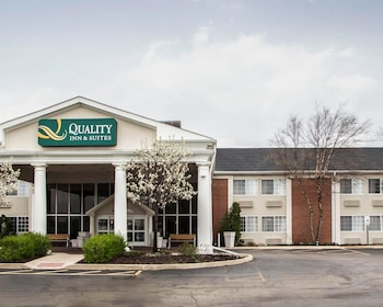 Quality Inn & Suites in St. Charles, Illinois