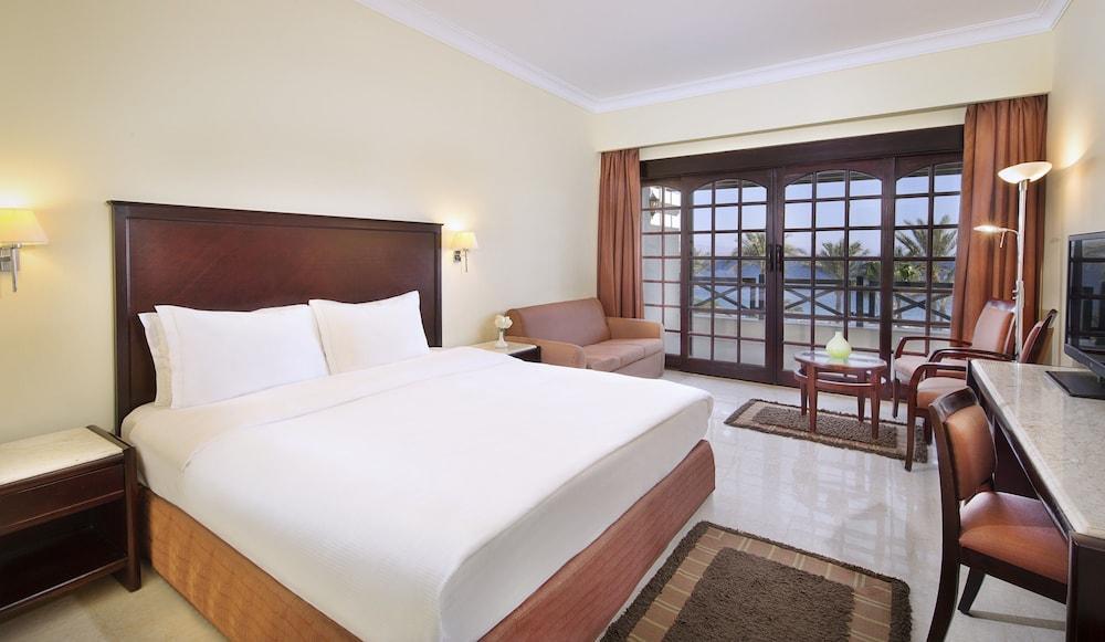 Taba Hotel & Nelson Village