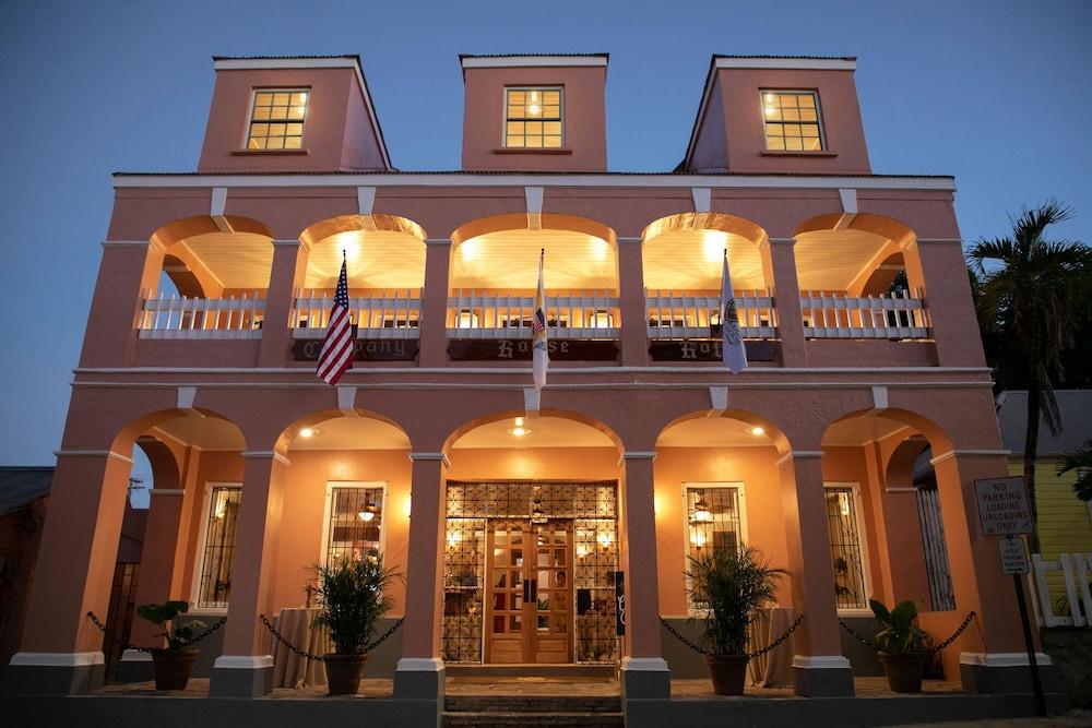 Company House Hotel