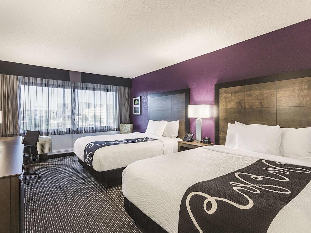 La Quinta Inn & Suites by Wyndham Virginia Beach