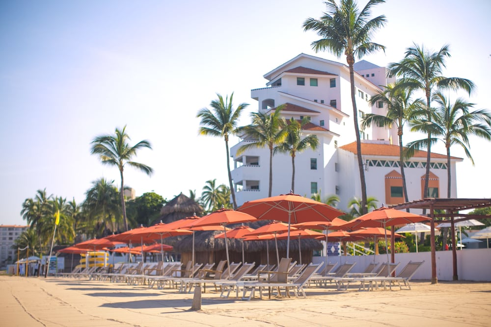 Buenaventura Grand Hotel Great Moments All Inclusive Puerto Vallarta 2 7 7 9 Price Address Reviews