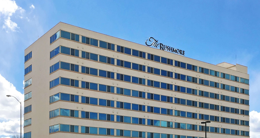 The Rushmore Hotel & Suites, BW Premier Collection