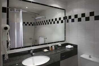 Hilton Paris Orly Airport - Bathroom  - #0