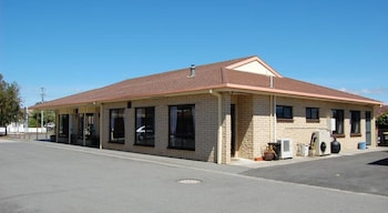 Bass & Flinders Motor Inn