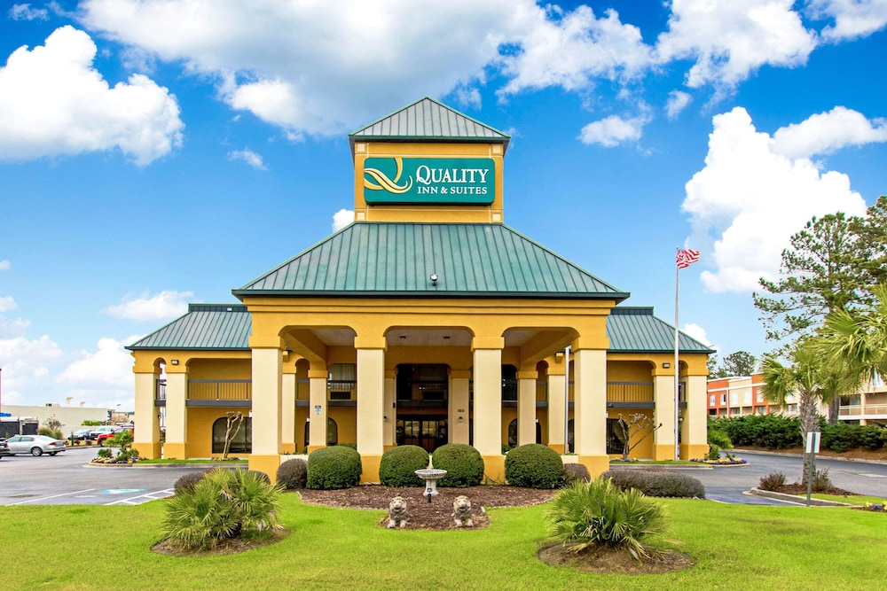 Quality Inn And Suites Civic