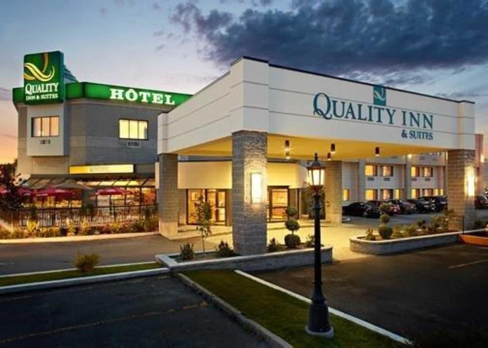 Quality Inn & Suites Brossard