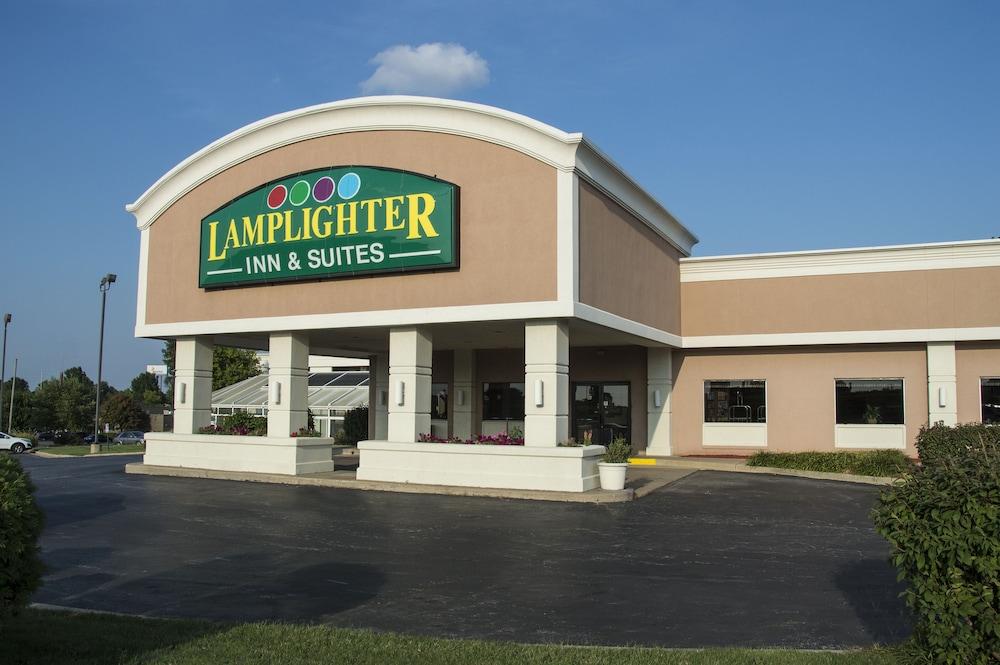 Lamplighter Inn & Suites - North