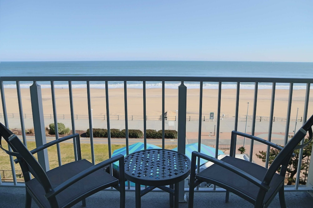 Virginia Beach Oceanfront Hotels With Balcony
