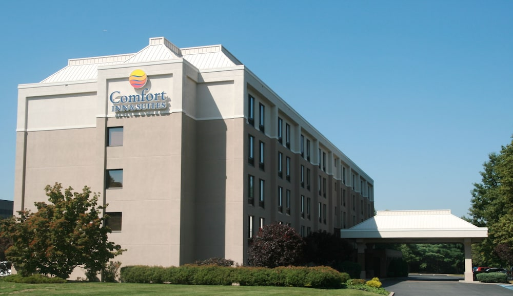 Comfort Inn & Suites Somerset - New Brunswick
