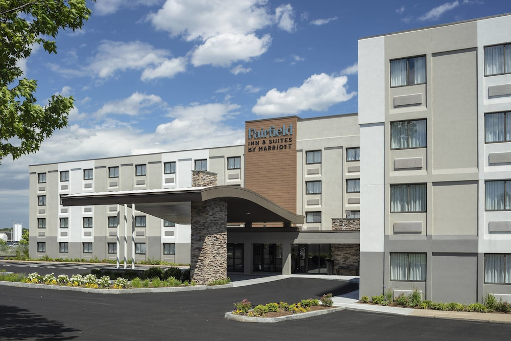 Fairfield by Marriott Inn & Suites Providence Airport Warwick