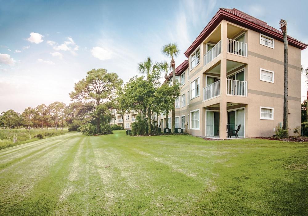 Parc Corniche Condominium Suite Hotel
