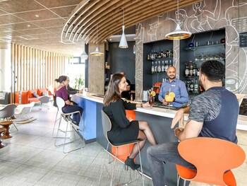 tarifs reservation hotels ibis Paris Coeur d'Orly Airport