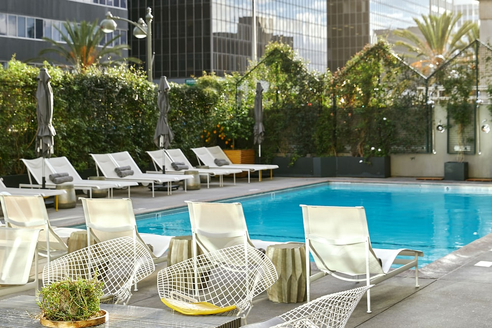 The LINE Hotel, Los Angeles @INR 11298 OFF ( ̶1̶3̶5̶6̶1̶