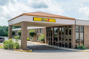 Super 8 by Wyndham Miamisburg Dayton S Area OH in Miamisburg, Ohio
