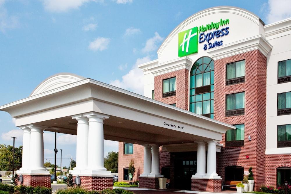 Holiday Inn Express Hotel & Suites Wilmington-Newark