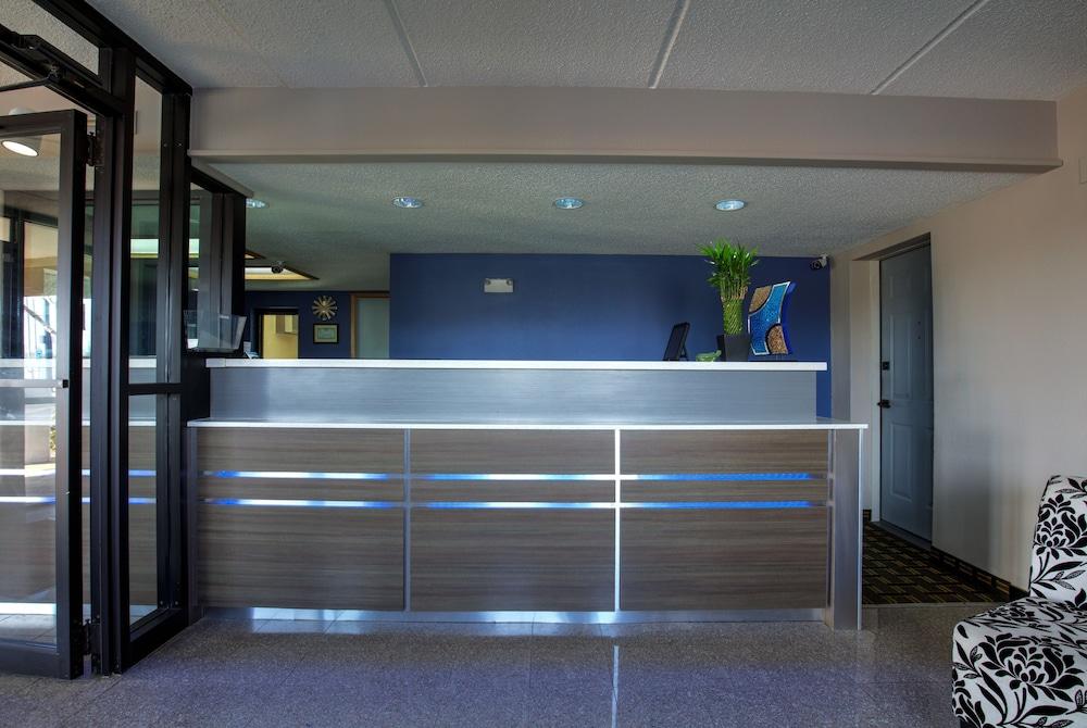 Fair View Inn & Suites
