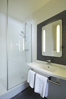 ibis Chartres Ouest Luce - Bathroom  - #0