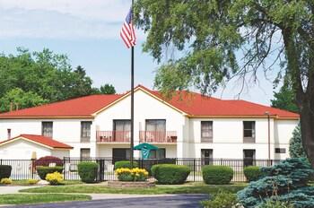 La Quinta Inn Sandusky near Cedar Point - Hotel Front  - #0